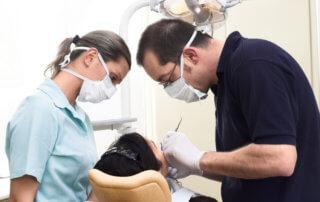 Hoe kan een tandarts rugpijn voorkomen