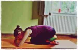 5 Relaxing Yoga Exercises for a Good Night Sleep-Shashankasana-Child-Pose